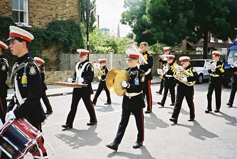 The parade on Brentford High Street, Brentford Festival 2001